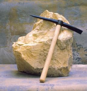 Der rauhe Stein als Symbol für den unvollkommenden Menschen